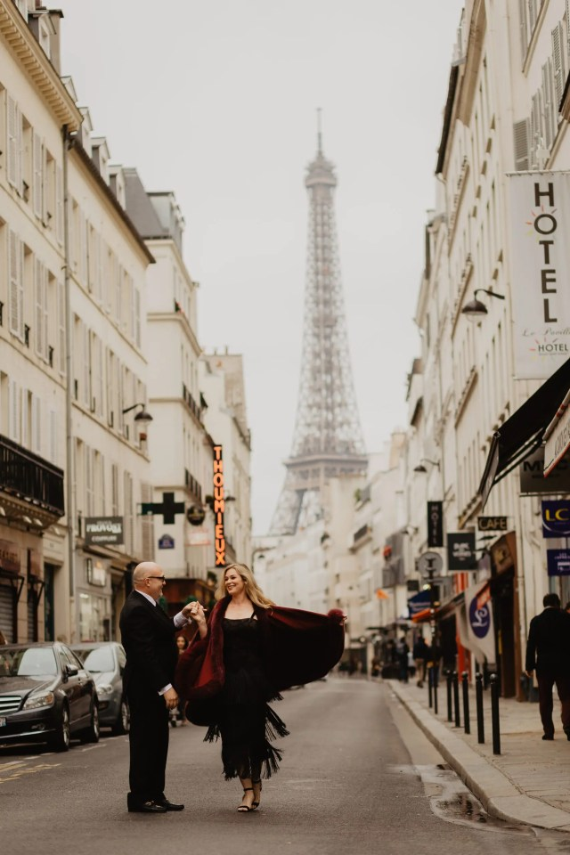 paris engagement photographer eiffel tower street
