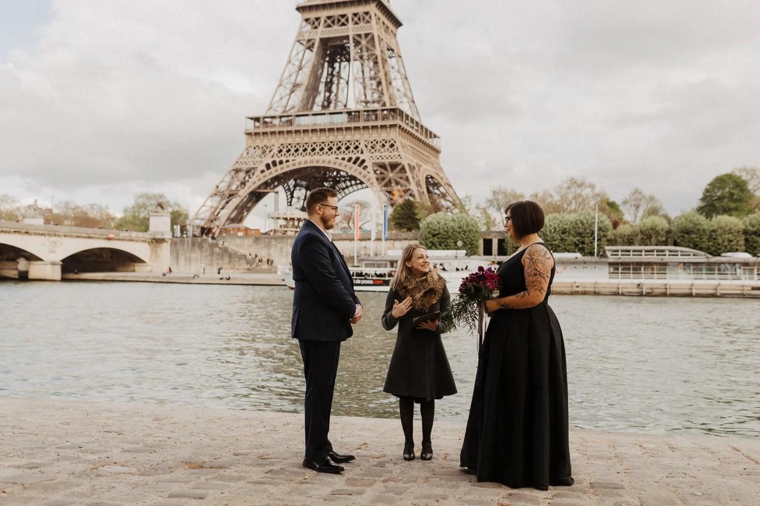 Paris elopement photographer eiffel tower