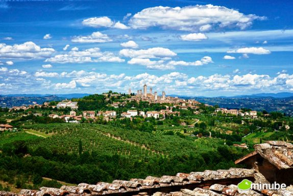 Farms Surrounding San Gimignano. Photo: Pablo Charin