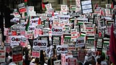 Des manifestants pro-palestiniens à Londres - 19 juillet 2014 (Crédit : AFP/Carl Court)