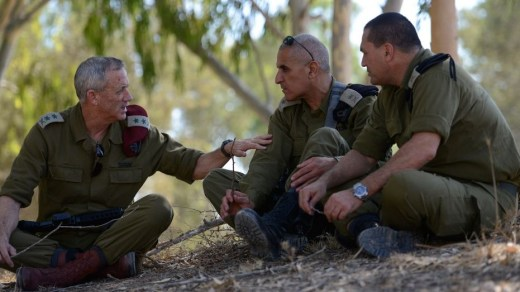 IDF Chief of Staff Benny Gantz (left) and Southern Command Chief Sami Turgeman (center), seen during a visit to the Givati Brigade near the Israeli border with Gaza, August 2, 2014. (IDF Spokesperson)