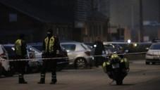 Des policiers sécurisent la scène de l'attentat terroriste contre un centre culturel à Copenhague - 14 février 2015 (Crédit : AFP PHOTO / MARTIN SYLVEST / SCANPIX))