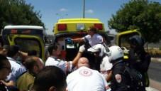 Des secouristes sur les lieux d'une attaque au couteau,à Jérusalem, le 29 juin 2015 (Photo: Magen David Adom)