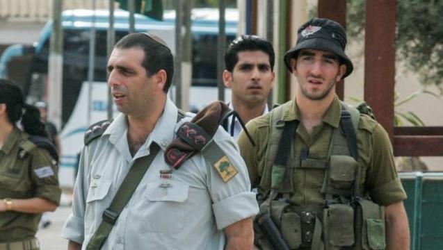 Golani Brigade Commander Ofek Buchris (L) seen during a visit Tel Hashomer army base on November 22, 2010. (Flash90)