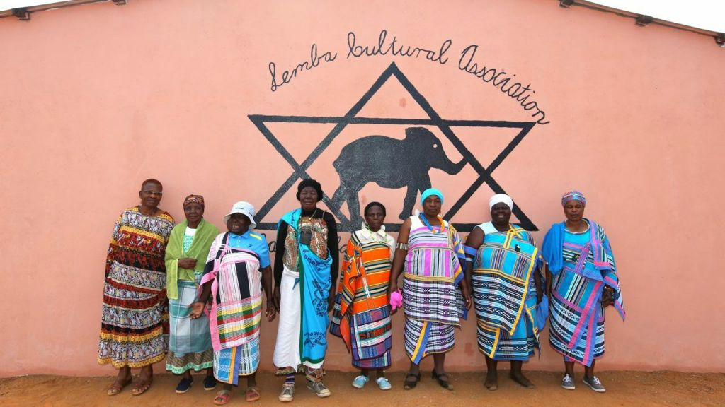 Women of the Lemba community. Manavhela, Limpopo Province, South Africa. August 2015. (Courtesy Jono David)