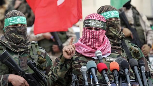 Abu Ubaida, le porte-parole de la branche armée du Hamas, les brigades Ezzedine al-Qassam, à Rafah, dans le sud de la bande de Gaza, le 31 janvier 2017. (Crédit : Saïd Khatib/AFP)