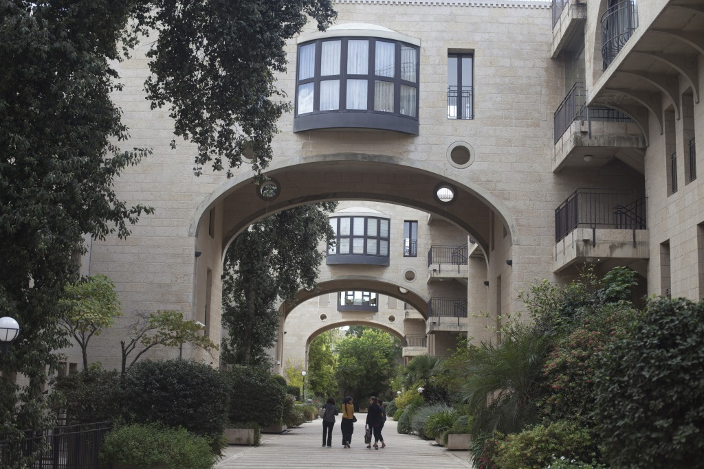 A view of the luxury apartments neighborhood of Mamila in Jerusalem, on October 27, 2015. Most of the luxury apartments are owned by foreign residents or by Israelis who use them as vacation homes.The city with the largest number of phantom apartments is Jerusalem, with an estimated 10,000 empty residential units. (Lior Mizrahi/Flash90)