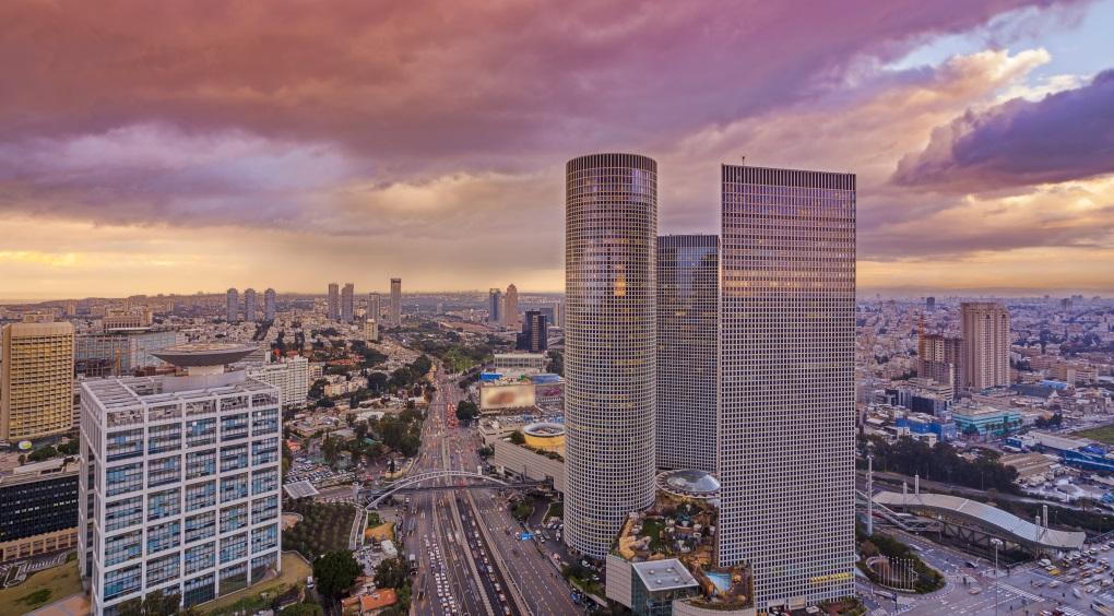 View of Tel Aviv at sunset (istock-slidezero_com)