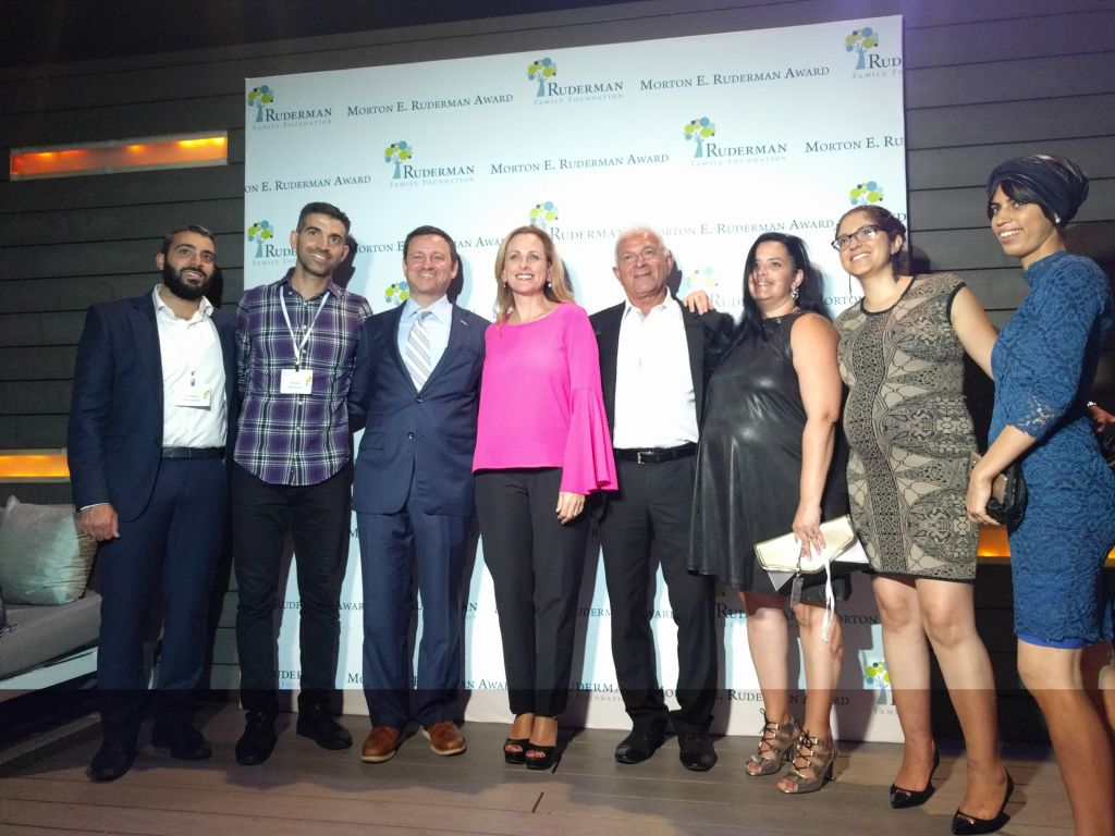 Marlee Matlin, center, poses with Jay Ruderman, to her left, and others at the Ruderman Family Foundation award ceremony in Tel Aviv, June 18, 2017. (Yaakov Schwartz/Times of Israel)