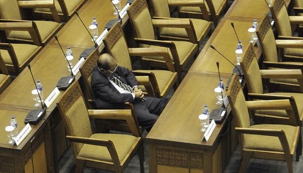 Gaji Anggota DPR Terbesar Keempat di Dunia, Masih Minta Naik?