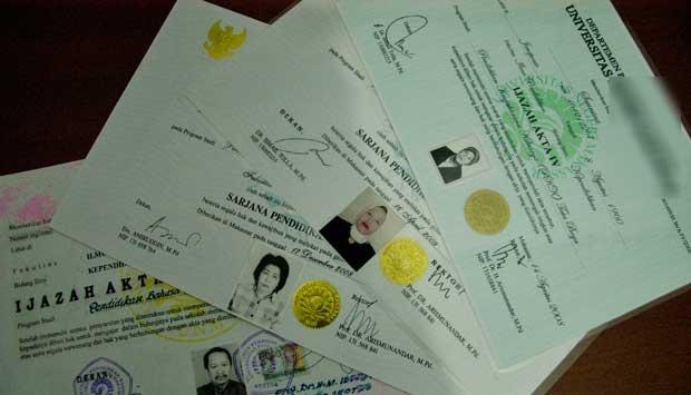 Anggota DPR Bergelar Palsu Disidang Besok