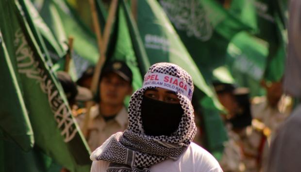 Pengendara Motor Berbendera ISIS Kejutkan Aksi Damai di Solo