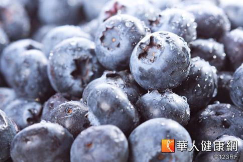 藍莓抗氧化功效佳,又具有多重保健功效,為公認的超級食物。