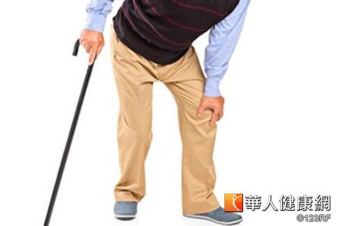 老人腳麻走不遠,應該進一步確認為「血管性跛行」或「神經性跛行」。