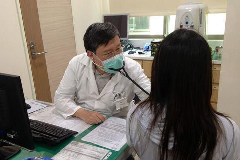 陳育民醫師指出,隨著治療經驗的日漸成熟,出現更多肺癌治療的選擇與組合。(圖片提供/陳育民醫師)