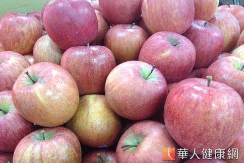 蘋果具有很好的調理腸胃的作用,適合長期腹瀉患者食用。(圖片/本站網路情境資料照片)