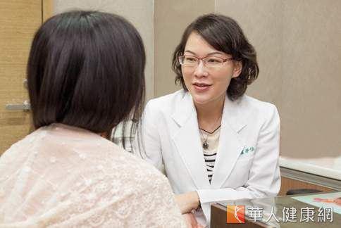 皮膚科醫師盧靜怡表示,想額外補充膠原蛋白,善用小分子膠原蛋白則可利於吸收。(圖片/楊伯康)