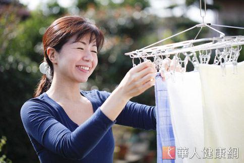 為了讓衣服變得更乾淨、潔白,許多家庭主婦為選擇洗衣精傷透腦筋。