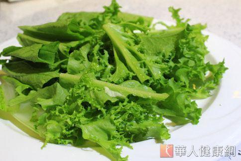 綠色蔬菜含有豐富鈣質,經常食用有助於內分泌平衡。(圖片/本網站資料照片)