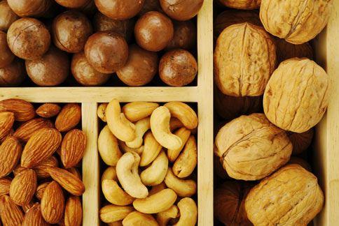 堅果有多重護心功效,豐富的蛋白質還能增添飽足感。(圖片/取材自《赫芬頓郵報》)
