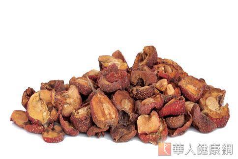 黃慧娟中醫師表示,山楂性溫,可促進血液循環,幫助代謝脂肪、開脾健胃。