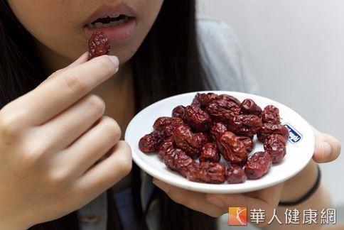 紅棗又稱大棗,味道甘甜,可以養血安神、照顧脾肝胃。(圖片/華人健康網資料照片)