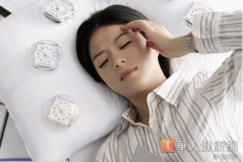 睡眠不足對於記憶力會有長期的損害,甚至還會讓人快速老化。