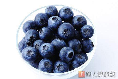 國內外掀起一股「紫色風潮」,關鍵密碼在於深紫或深藍的農作物都富含「花青素」。