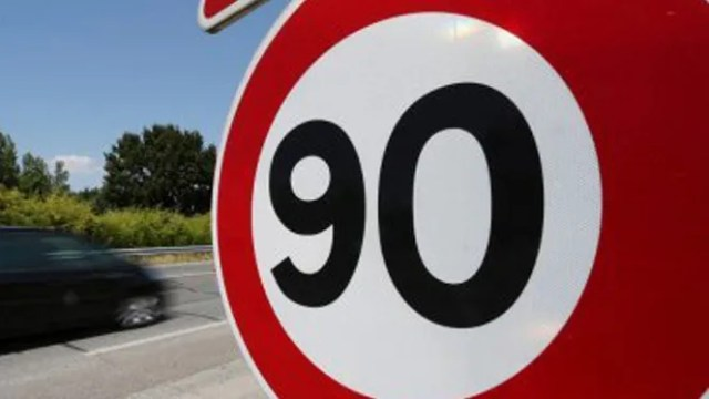Velocidad noventa km/h