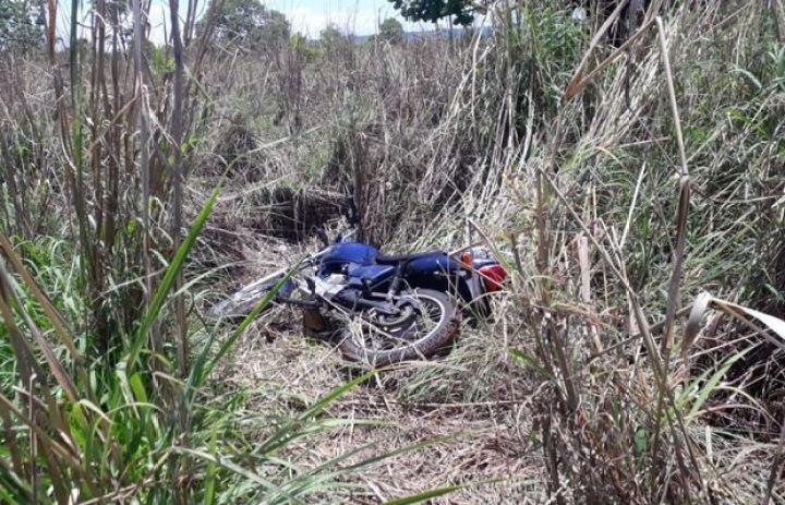 'Titan azul, azul Titan': moto é achada em matagal quatro dias após furto em Cassilândia