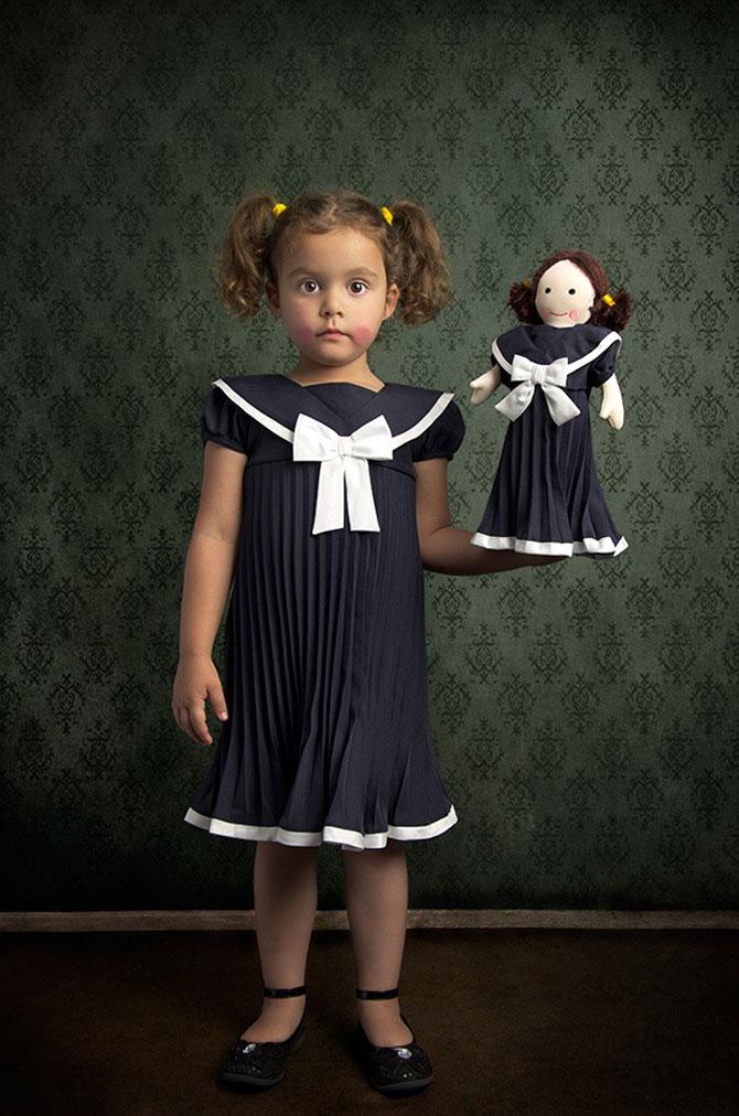Poza<br />  7 -<br />  Tatal<br />  care si-a fotografiat fetita in stil de tablou clasic