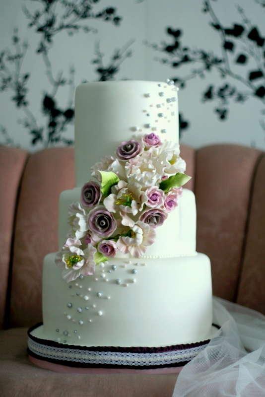 15 Examples Of Extravagant Cakes