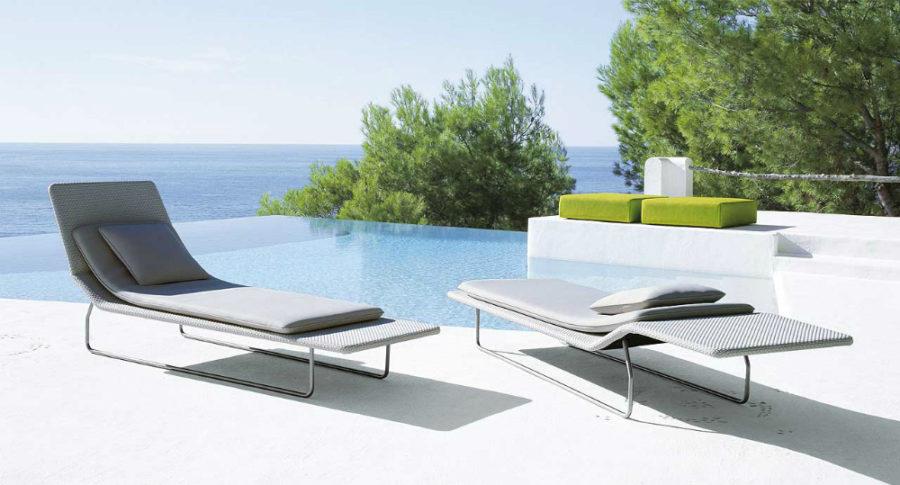 ultra modern pool lounge chairs to turn