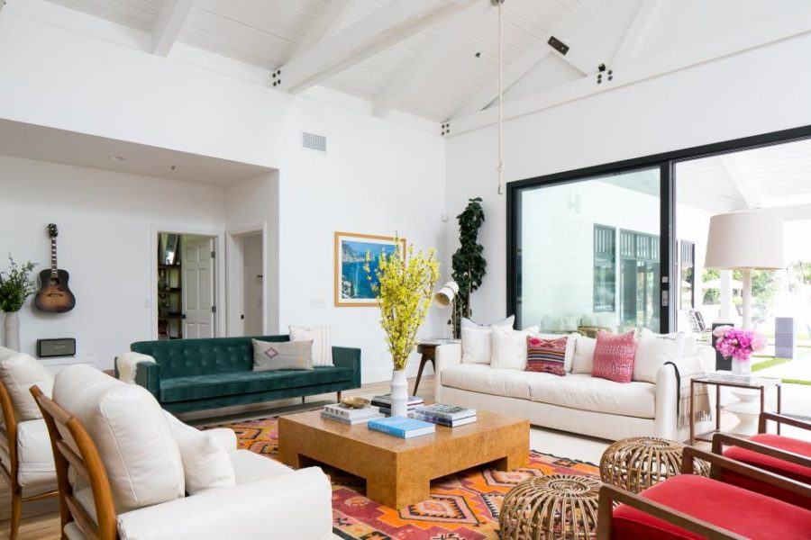 Ultra Modern Living Rooms For Hospitable Homeowners