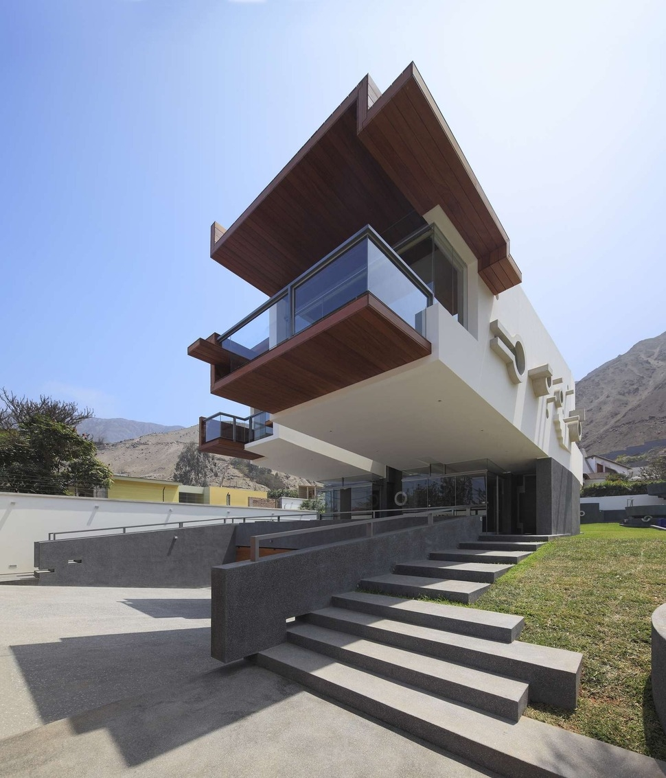 Creatively Cool Dual Cantilevered House In Peru   Front Side Staircase Design   Out Staircase   Gallery Photo Indian   Outer Wall   Home Front Arch   Indian Style