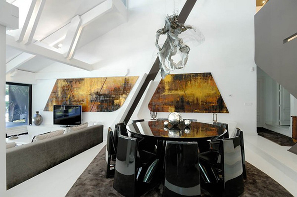 Futuristic House Where Contemporary Art Meets Modern Living