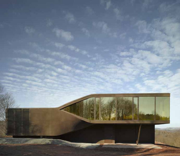 A Twist On A Modern House By UNStudio VilLA NM In