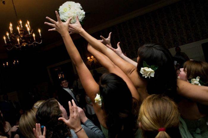 Femeie care cauta om algerian pentru nunta)