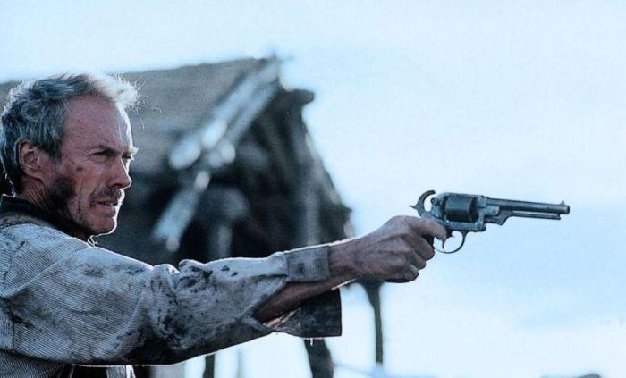 Eski Filmlerin Yenilmeyen Kovboyu - Clint Eastwood (78 Fotograf))