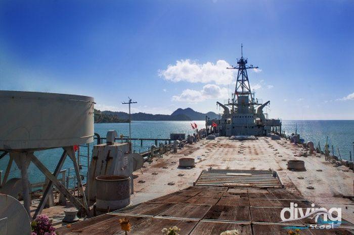Gemi Batıralarak Su Altı Dalış ve Araştırma istasyonu Oldu (42 fotograf)