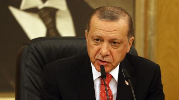 Erdogan: Od zvaničnika ne očekujem da mi dižu spomenike, već da služe narodu