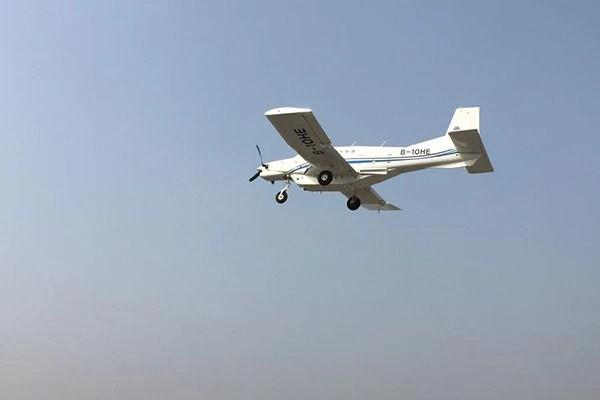 Máy bay không người lái Trung Quốc tiếp liệu các đảo trên Biển Đông - Ảnh 3.
