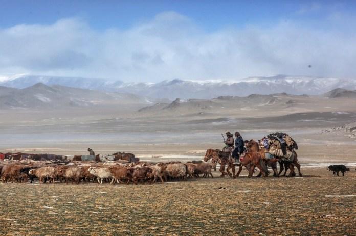 Có một Mông Cổ đẹp kinh ngạc - Ảnh 4.
