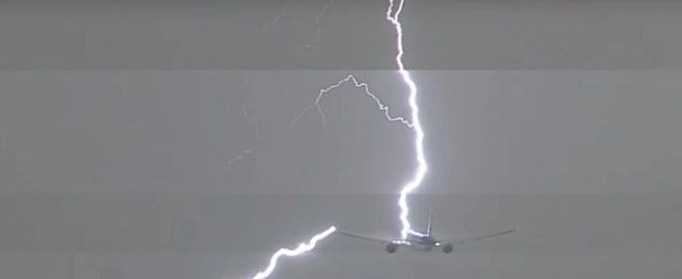 Máy bay bị sét đánh kinh hoàng ở Hà Lan - Ảnh 1.