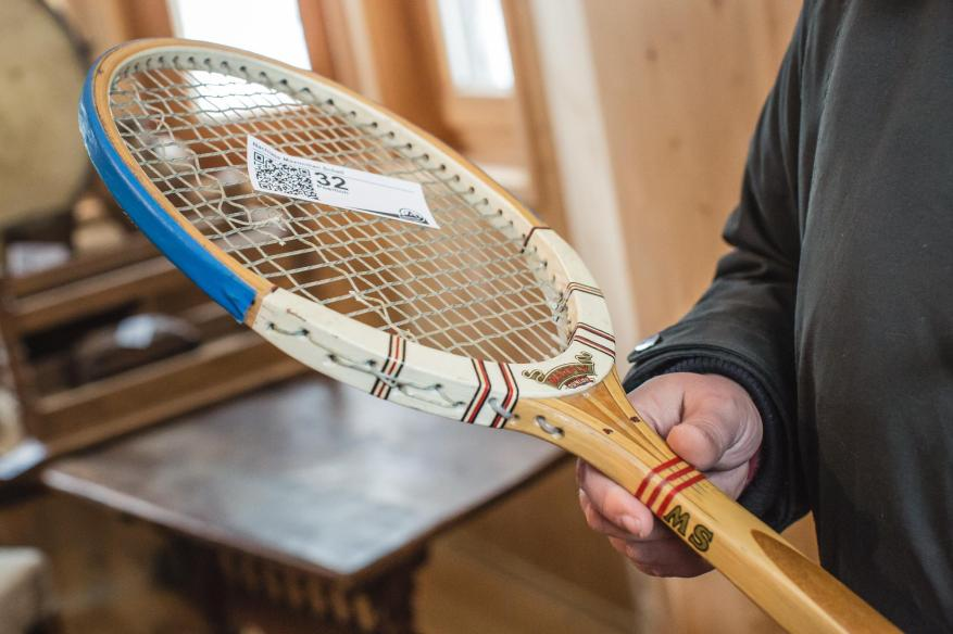 MS - this tennis racket also found a new owner.