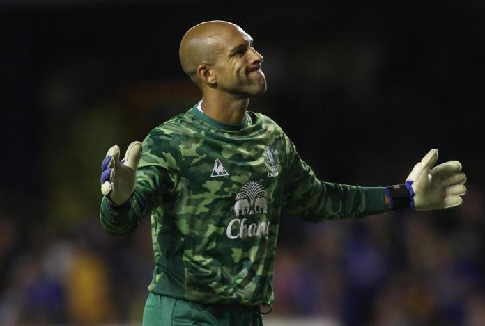 Everton's Goalie Tim Howard wore in the season 2011/12, also Camouflage. The list of football clubs that carry this pattern is not completed. The science says that such a pattern promises little success.