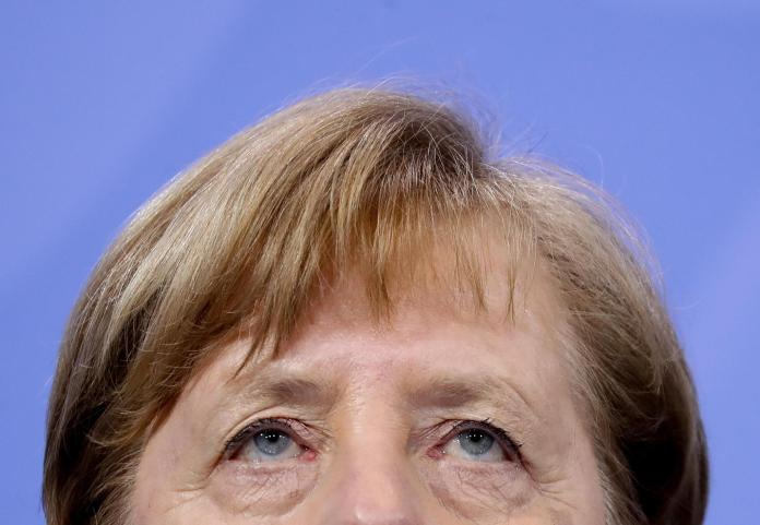 At the end of long, difficult negotiations with the federal states: German Chancellor Angela Merkel when she appeared in front of the press at half past two in the morning.