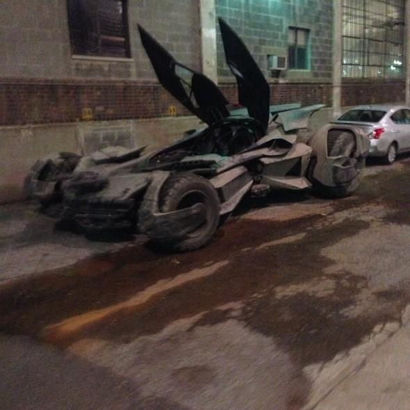batmobile11 590x590 BATMAN V SUPERMAN: DAWN OF JUSTICE Batmobile Revealed