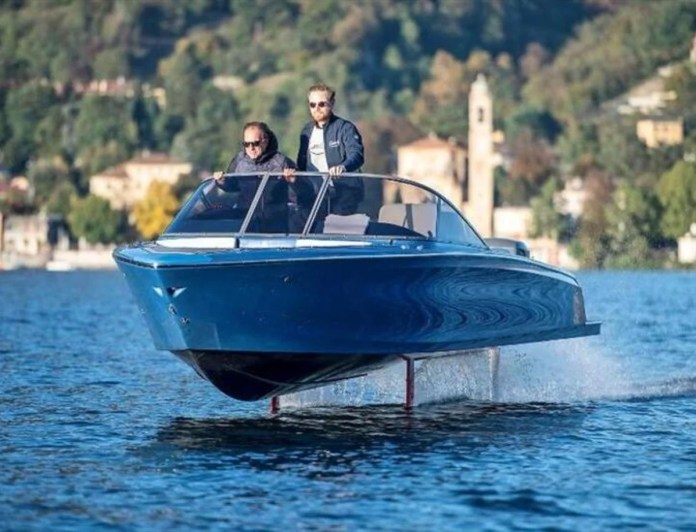 Candela C-8, the electric boat that flies over the water and is already a success