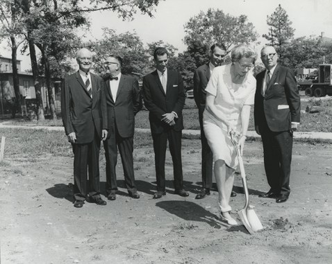 Susan Gray breaks ground for the John F. Kennedy Center of George Peabody College for Teachers in August 1966.